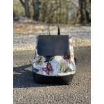 Дамска раница от еко кожа в нежна цветова комбинация с пеперуди-1185