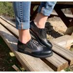 Дамски обувки с равно ходило от естествена кожа в комбинация черно и сребърно-523