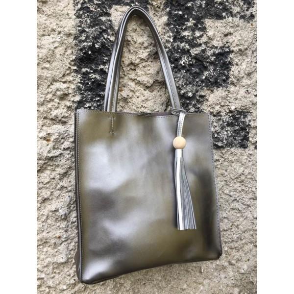 Дамска ежедневна чанта от еко кожа сребърна - 82