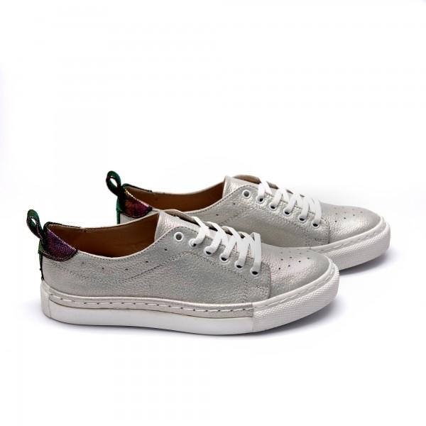 Дамски спортни обувки от естествена кожа сребристи - 333