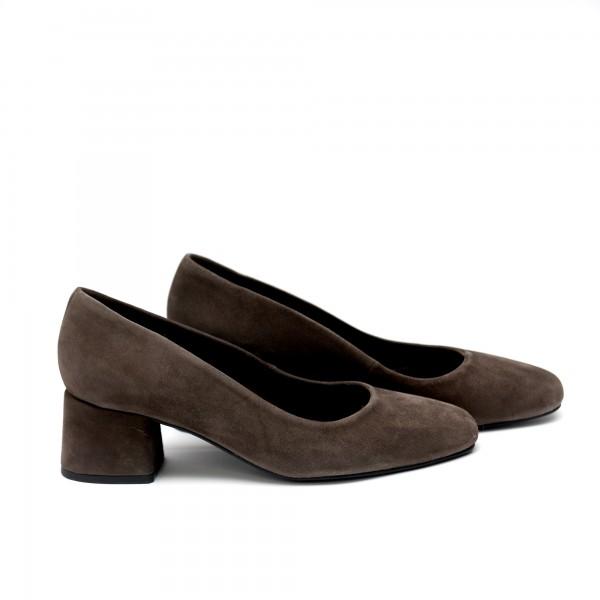 Дамски обувки от естествен велур таупе - 71