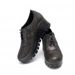 Дамски обувки от естествена кожа черни с перфорация на платформа - 208