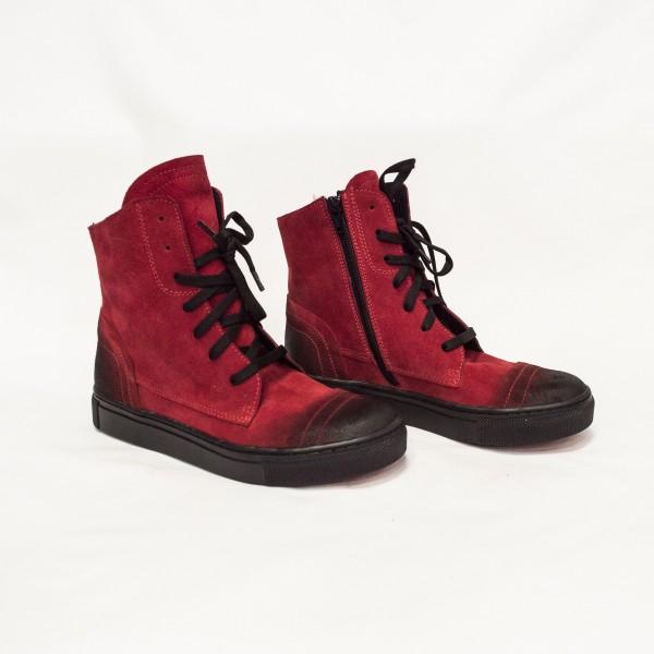 Червени дамски кецове от естествен велур - 116