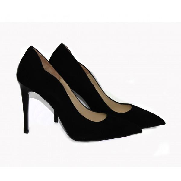 Дамски обувки от естествен велур черни с ток - 260