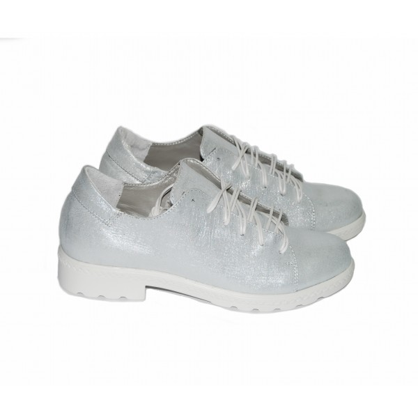 Дамски обувки от естествена кожа сребристи - 296